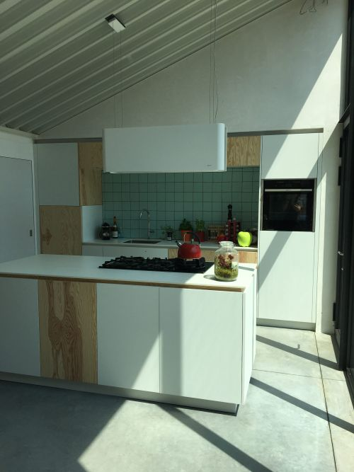 Keuken multiplex en wit