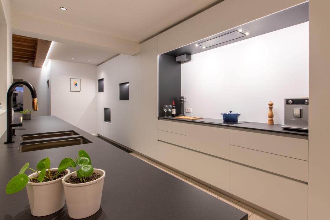 Keuken op maat egger w1000 + dekton domoos