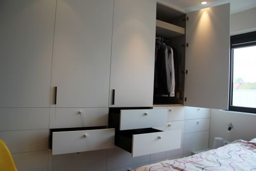 Gesloten dressing op slaapkamer in Destelbergen