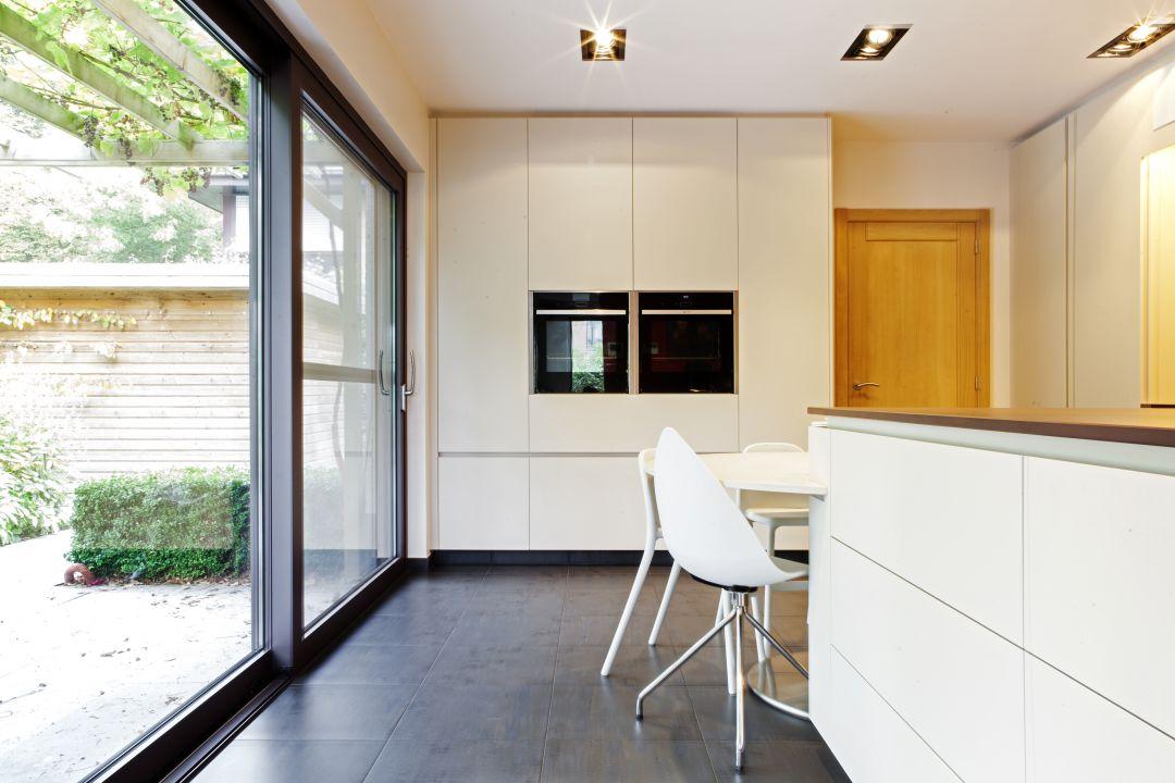 Keuken met een moderne look in Mariakerke