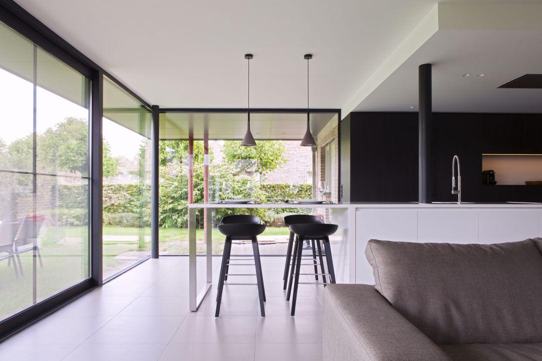 Keuken op maat in Hamme. Ontworpen en geproduceerd door Maku Interieur.