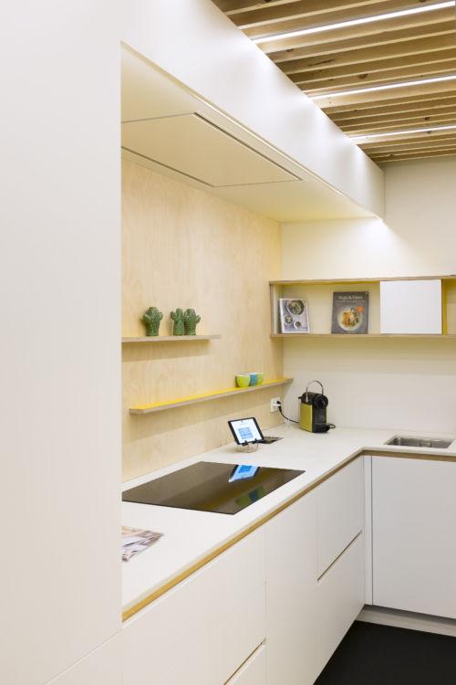Keuken berken multiplex spatwand