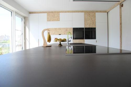 keuken gemaakt uit osb en laminaat
