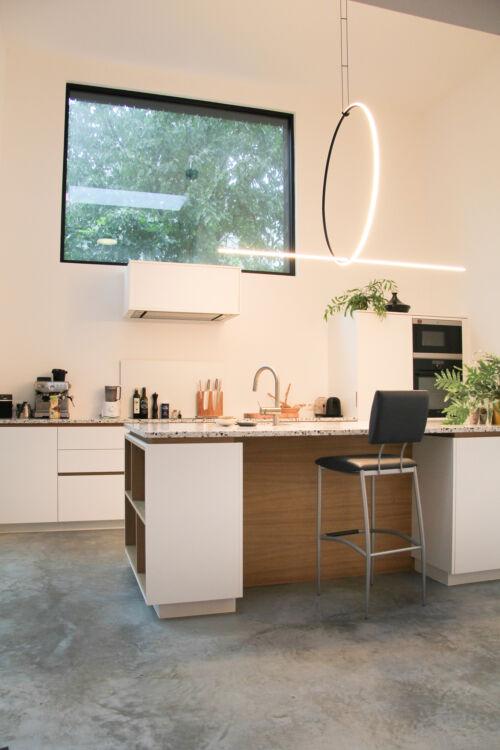 terrazzo werkblad gecombineerd met laminaat en fineer