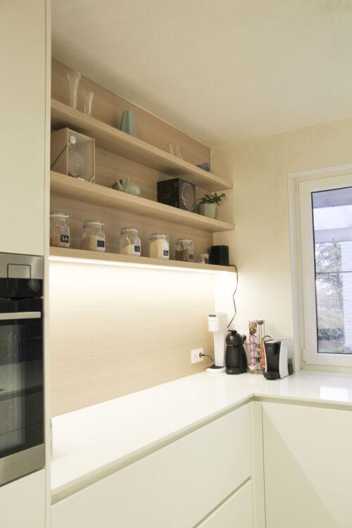 warme details in keuken met dekton werkblad